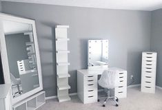 Room decor - 35 Makeup Room Ideas To Brighten Your Morning Routine MakeupRoomVanity BeautyStorage BeautyStorage DIYMakeupRoom DollarStores DollarStores Bedroom MakeUpStations MakeupRoomVanity Habitacione Makeup Room Decor, Makeup Rooms, Beauty Room Decor, Makeup Studio Decor, Beauty Room Salon, Beauty Studio, Sala Glam, Vanity Room, Ikea Vanity