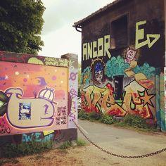 some la rochelle graffiti via @Nic Hildebrandt {luzia pimpinella}