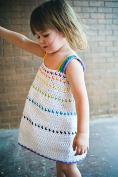 Love this dress & pinned picture for inspiration. Etsy pattern listed https://www.etsy.com/pt/listing/100791144/rainbow-crochet-dress-pattern-no-8 PATTERN COSTS  €5.25