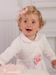 Nr.28 Bezaubernder Bolero mit Lochmuster in Weiß! - Princessmoda - Alles für Taufe Kommunion und festliche Anlässe