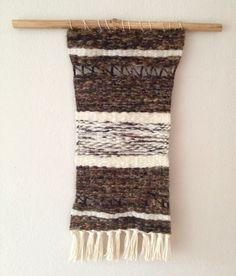 telar by Mandralico Christmas Stockings, Holiday Decor, Diy, Home Decor, Fashion, Weaving Looms, Board, Projects, Needlepoint Christmas Stockings