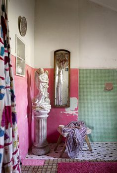 MadameB-bathroom.