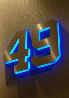 Metal with LED lighting on the sides New_York_Yankees_07