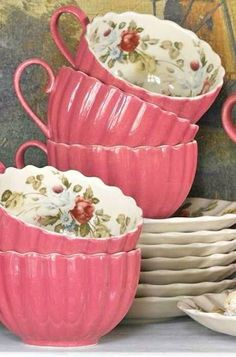 Lovin' this vintage Tea Set! Vintage Dishes, Vintage China, Vintage Teacups, Tea Cup Saucer, Tea Cups, Coffee Cups, Teapots And Cups, My Cup Of Tea, High Tea