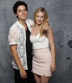 News Photo : Actor Cole Sprouse and actress Lili Reinhart,. Riverdale Betty And Jughead, Cole Spouse, Lili Reinhart And Cole Sprouse, Cole Sprouse Jughead, Bae, Riverdale Cole Sprouse, Famous In Love, Bughead Riverdale, Betty Cooper