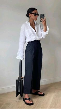 Minimal Fashion, Work Fashion, Minimal Outfit, Minimal Style, Mode Outfits, Fashion Outfits, Womens Fashion, Effortlessly Chic Outfits, Mode Ootd