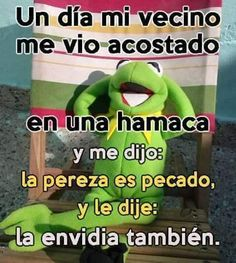 VIDA ES MUY CORTA Y DEBES REIR Spanish Jokes, Funny Spanish Memes, Words Quotes, Life Quotes, Church Humor, Church Quotes, Mexican Humor, Funny Phrases, Sarcastic Quotes