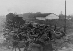 German soldiers prepare to return home on leave from the Eastern front. Date unknown