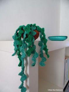 Kat Kat Katoen: GREEN! (free pattern hanging plant)