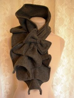 Stylish fleece scarf with bow. I wonder if I can figure out how to make this.