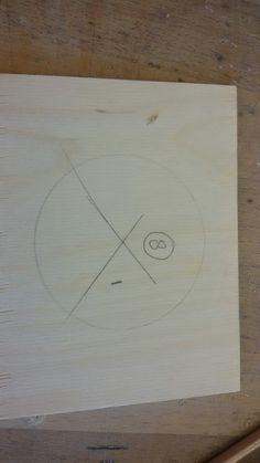 Dit is een voorbeeldje van hoe ik een rondjes uitzaag. Dat heb ik in de les gedaan.
