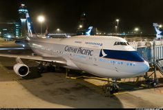 Night Flight - Cathay Pacific Boeing 747-467 Aircraft Images, Aircraft Pictures, Airplane Drone, Good Ol Times, Dragonair, Boeing 747 400, Airport Photos, Cathay Pacific, Passenger Aircraft