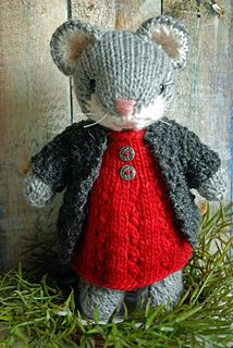 Cute Knitted Mouse – Knitting Pattern Cute Amigurumi Knitt… – The Best Ideas Knitted Doll Patterns, Animal Knitting Patterns, Knitted Dolls, Stuffed Animal Patterns, Crochet Dolls, Crochet Patterns, Knitting Projects, Crochet Projects, Pattern Cute