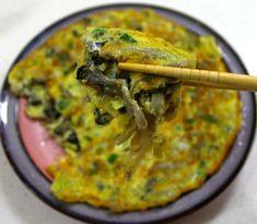 고기전보다 더 맛있는 쫄깃하고 고소한 느타리버섯전 만들기 Korean Dishes, Korean Food, Food Menu, Food Items, Kimchi, Recipe Collection, Guacamole, Quiche, Food And Drink