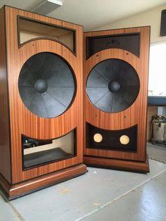 Horn Speakers, Diy Speakers, Built In Speakers, Stereo Speakers, Audiophile Speakers, Hifi Audio, Hi End, High End Audio, Loudspeaker