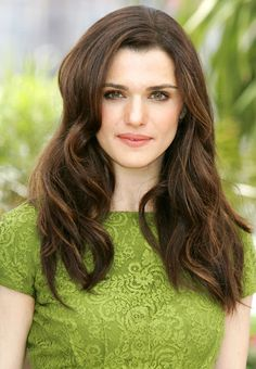 Rachel Weisz LOVE the hair style...
