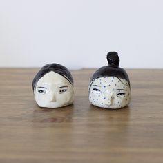 Rami Kim's Playful Ceramic Dishes Feature a Eerie Suprise  Para la tapa del queso