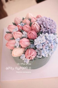 Tulip and Hydrangea Buttercream Cake Pretty Cakes, Beautiful Cakes, Amazing Cakes, Korean Buttercream Flower, Buttercream Flower Cake, Bolo Floral, Floral Cake, Cake Inspiration, Cupcakes Flores