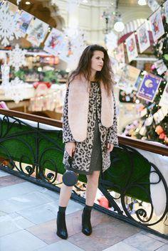 Fox in Vogue: So retro? Vogue Fashion, Kimono Top, Fox, Retro, Women, Retro Illustration, Foxes, Woman