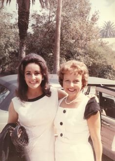 Elizabeth and her mother, Sara Sothern.