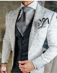 Best collections of mens fashion trends mensfashiontrends is part of Suits - Der Gentleman, Gentleman Style, Sharp Dressed Man, Well Dressed Men, Mens Fashion Suits, Mens Suits, Dapper Suits, Womens Fashion, Moda Formal