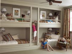 I love these built in bunk beds
