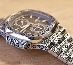 Patek Philippe Nautilus ref 5990 Stylish Watches, Cool Watches, Rolex Watches, Best Watches For Men, Luxury Watches For Men, Patek Philippe, Watch Engraving, Gold Chains For Men, Hand Watch