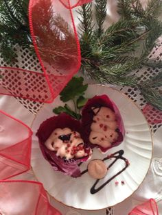 antipasto in rosso  Spuma di salmone in foglie rosse. #foodlylove #natale2016 - Lorenzina Moro