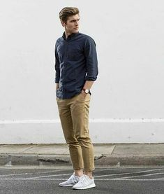 48 Latest Pants Ideas for Men Casual Outfit - Fashionmgz Casual Chic Outfits, Stylish Mens Outfits, Men Casual, Formal Outfits For Men, Casual Clothes, Casual Shirts For Men, Chinos Men Outfit, Sneakers Outfit Men, Sneaker Outfits
