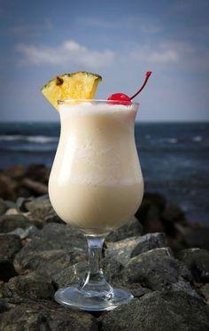 ¡Aquí te revelamos dónde nació la refrescante Piña Colada!: http://www.sal.pr/?p=105165 #PuertoRicoEsRico
