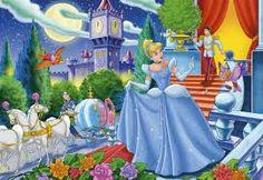 """Como en casi todos los cuentos de la factoría Disney, en """"cenicienta"""", se muestra un sexismo claro, no solo en el papel de la protagonista, sino en el papel que cumplen las mujeres en el cuento. Me refiero a que su fin es casarse, atender las labores del hogar, tener descendencia y dedicarse a su marido."""