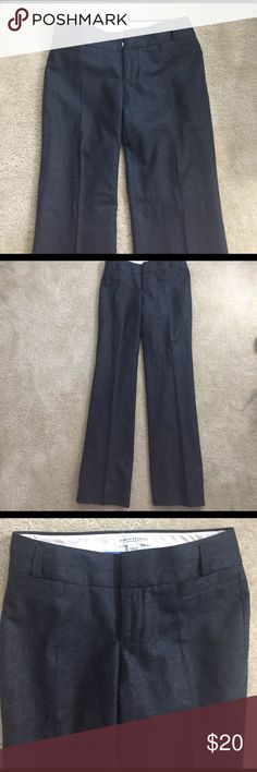 Banana Republic wool grey pans Wool banana pens. Very comfy and nice. Good for office. Used in good condition. Material 97% wool, 3% spandex. Banana Republic Pants Trousers