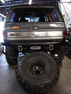 K5 blazer rear tube bumper tire carrier build k5 badassness rear winch bumpers with tire carriers blazen offroad forum sciox Choice Image