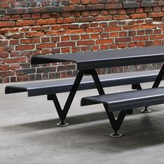 The Air Picnic Table is a modular picnic table consisting of a bench and table, linear (Air) or wavy (Air S), in ultra high performance concrete (UHPC) with supports in powder coated steel. Parks Furniture, Urban Furniture, Street Furniture, Furniture Design, Outdoor Furniture, Natural Soul, Wood Joints, Picnic Tables, Garden Chairs