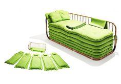 Apelidado de 'We Are Family' (em português, 'Somos Família'), este sofá-cama é feito de bambu e algodão e acomoda até 6 visitas inesperadas. http://www.hypeness.com.br/2013/08/o-sofa-cama-de-bambu-que-acomoda-ate-seis-visitas-inesperadas/