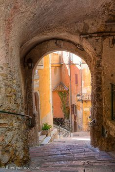 French Riviera (something out of 1968 Romeo and Juliet...) but that was set in Verona, Italy