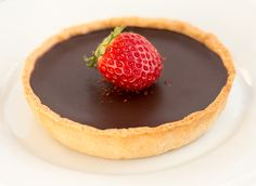 Our vegan chocolate and salted caramel tarts are a to-die-for dessert. They are made up of shortcrust chocolate pastry, salted caramel and dark chocolate ganache layers. Chocolate Chili, Vegan Chocolate, Chocolate Recipes, Chocolate Pastry, Chocolate Tarts, Lazy Cat Kitchen, Caramel Tart, Shortcrust Pastry, Sweet Tooth