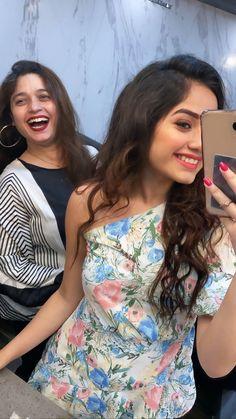 Stylish Girls Photos, Stylish Girl Pic, Nikki Bella Photos, Cute Selfie Ideas, Marvel Clothes, Beautiful Dresses For Women, Cute Celebrities, Celebs, One Piece Dress