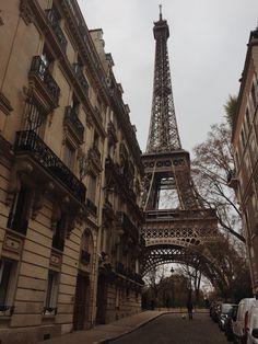 City Aesthetic, Travel Aesthetic, World Famous Places, Paris Wallpaper, Paris Love, Paris Photos, Paris Travel, Travel Goals, Places To Travel