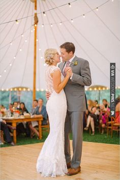 wedding dancing | CHECK OUT MORE IDEAS AT WEDDINGPINS.NET | #weddings #weddinginspiration #inspirational