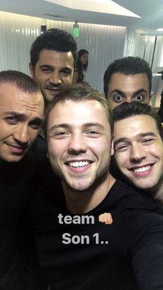 Aytaççımm Turkish Men, Turkish Actors, Ariana Grande Songs, Friends Moments, Mood Pics, Muslim Fashion, Art Girl, Beautiful People, I Am Awesome