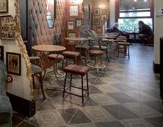 FS BY PERONDA 45x45  빈티지의 완성공간?  화려한 가구속에 FS타일이 눈에 돋보입니다 #tile #tiles #Sangahtile #interior #design #interiordesign #floor #wall #beige #vintage #old #industrial #타일 #인테리어 #디자인 #바닥 #빈티지 #인더스트리얼 #소품 #디스플레이 #카페
