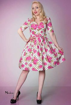 Love this retro dress