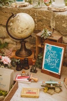 Un mariage au Château de Camon par Monsieur+Madame (M+M). Thème bohème et voyage. ©Ed Peers  www.monsieurplusmadame.fr