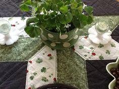 Kitty's Kozy Kitchen: Irish Decor