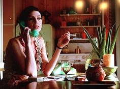 It's 1970 on #MadMen so we got Megan drinking from a big ol' Almaden jug! Here's what other wine they drank (Sauternes! Riesling! Champagne!) last night.
