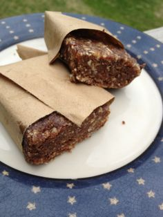 Simple Little Home: Homemade Chocolate Lara Bars