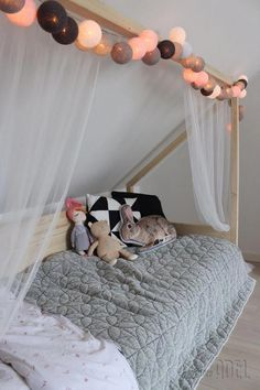 Custom-made cot made of spruce beams and panels. The bed is removable and . Custom-made cot made of spruce beams and panels. The bed is removable and . Blue Bedroom, Trendy Bedroom, Bedroom Bed, Bedroom Colors, Girls Bedroom, Girl Rooms, Coastal Bedrooms, Luxurious Bedrooms, Chambre Nolan