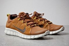 Where To Buy Nike Free Powerlines II, Nike Free Powerlines+ 2 Almond Brown Silver Moda Sneakers, Sneakers Mode, Sneakers Fashion, Fashion Shoes, Mens Fashion, Nike Sneakers, Ladies Sneakers, Sneakers Design, Fashion Tips