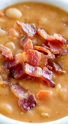 Skip the can - this Homemade Bean and Bacon Soup is hearty and filling and filled with veggies and chunks of bacon! Skip the can - this Homemade Bean and Bacon Soup is hearty and filling and filled with veggies and chunks of bacon! Homemade Beans, Homemade Soup, Homemade Recipe, Think Food, Crock Pot Soup, Soup And Sandwich, Soup And Salad, Soups And Stews, Cooker Recipes